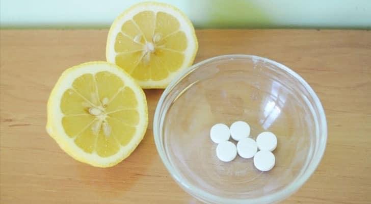 Аспирин от прыщей и лимонный сок