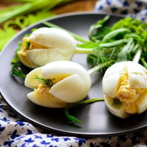 Что приготовить из вареных яиц после Пасхи
