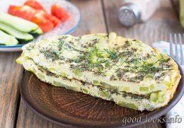Омлет с кабачками, приготовленный на сковороде