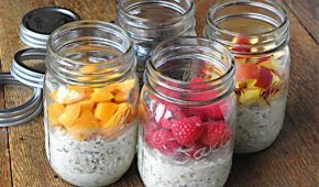 Миниатюра к статье Овсянка в банке — здоровый и быстрый завтрак. Рецепты на скорую руку