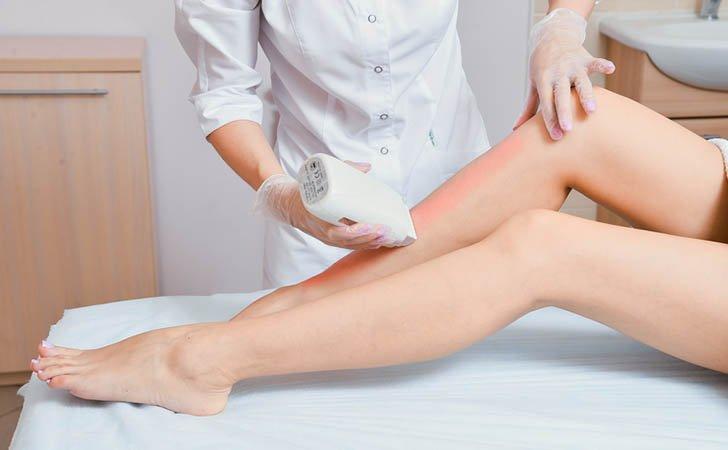 Эпиляция воском - болезненная процедура