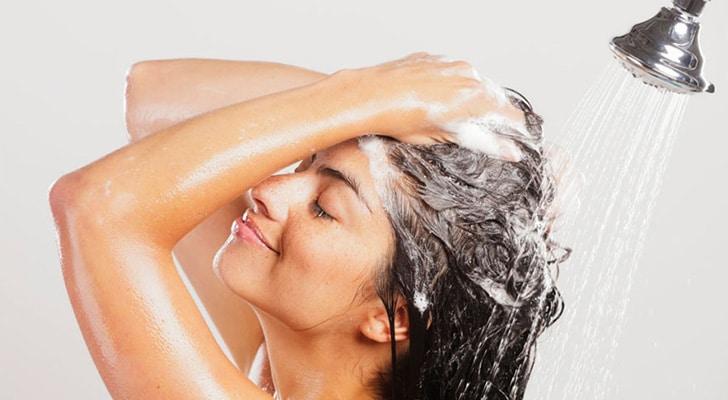 Мыть волосы запах лука