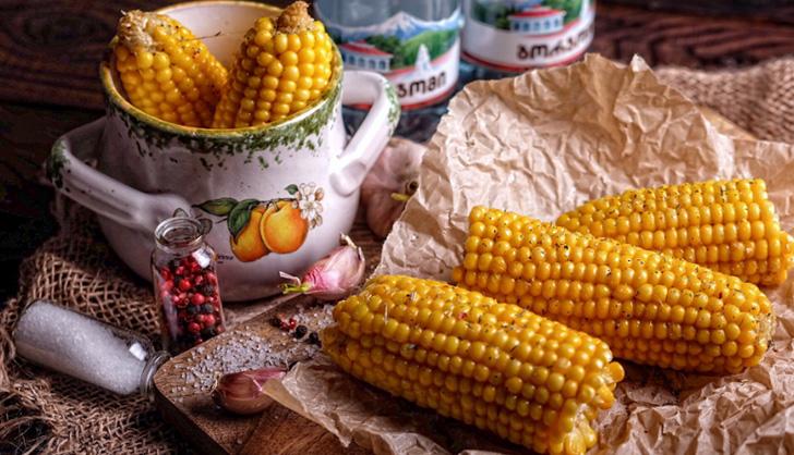 В какое время есть кукурузу полезнее