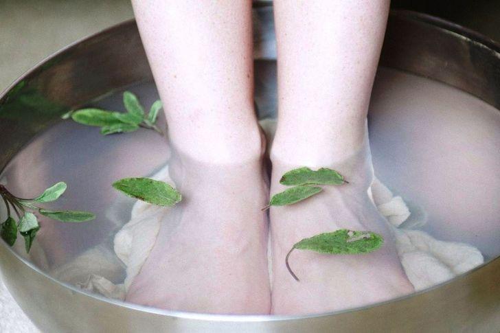 Ванночки с лавровым листом от грибка