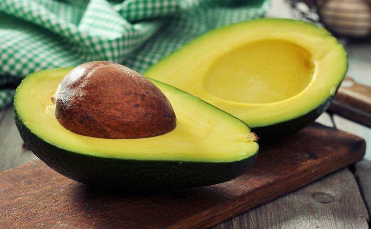 Маска из авокадо и алоэ
