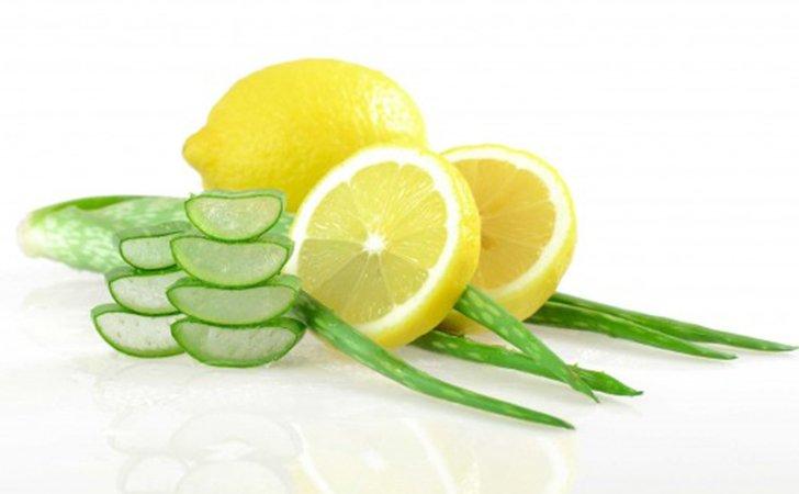 Лимонный сок в маске для лица с алоэ и белком