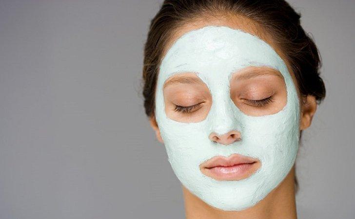 Глиняная маска для лица с алоэ от прыщей