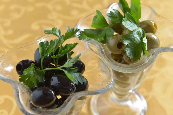 Что вкуснее: оливки или маслины