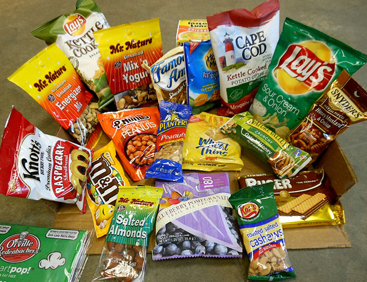 Снеки: чипсы, попкорн, сухарики