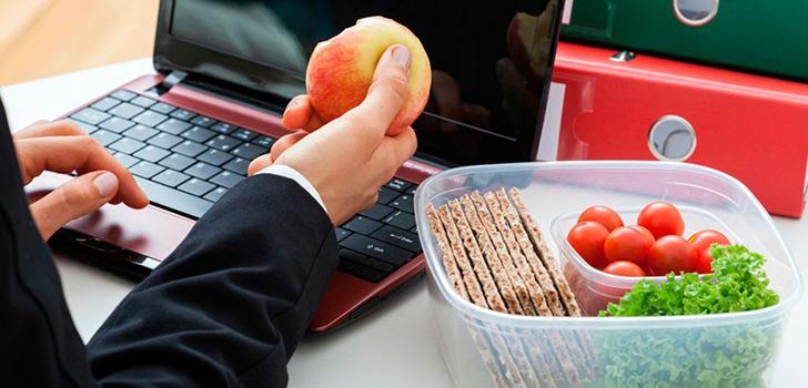 Перекус во время диеты – полезные и диетические рецепты, перекусы в школе, на работе, перед тренировкой, после обеда, перед сном, белковые, орехи и другие продукты