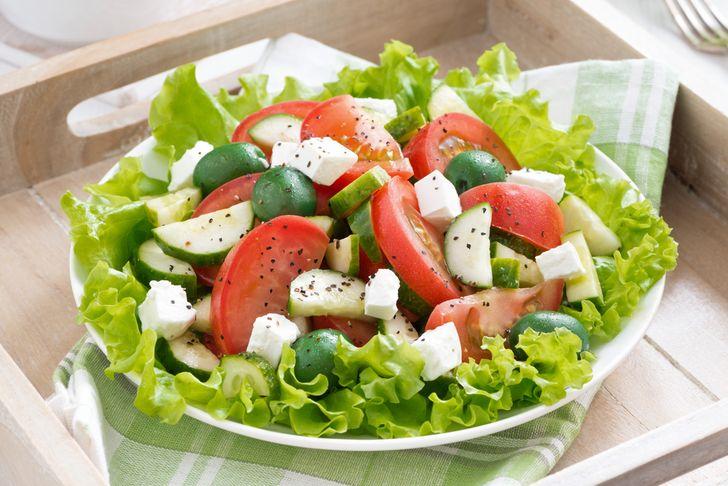 Причины не соединять огурцы и помидоры в салате