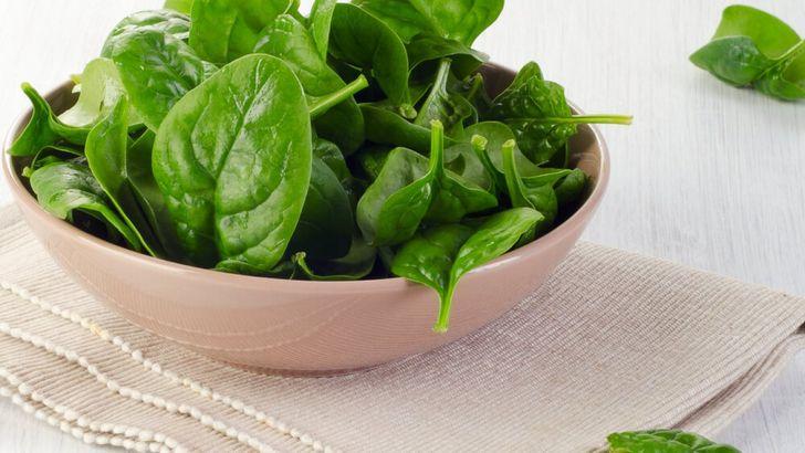 Калорийность и полезные вещества шпината