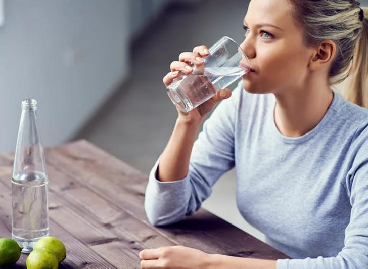 Пить воду ежедневно